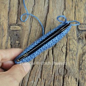 crochet snap frame pouch