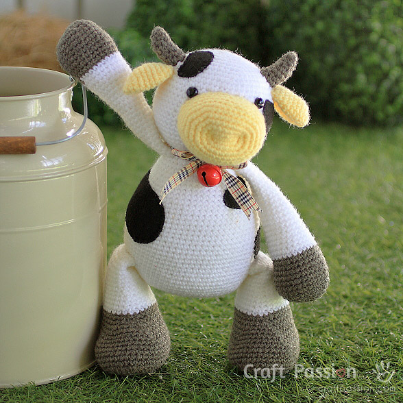 cow amigurumi crochet pattern