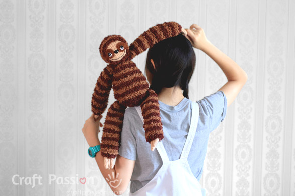 huggable sloth amigurumi crochet