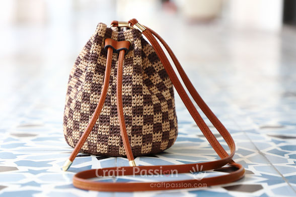 damier raffia bucket bag
