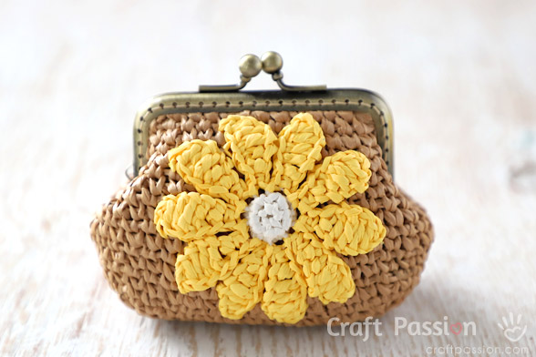 raffia flower coin purse