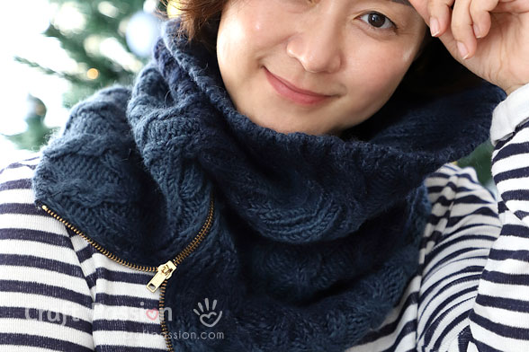 Cable Knit Zipper Cowl