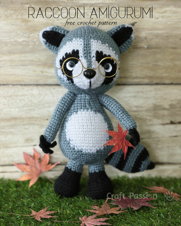 Raccoon Amigurumi, Jr. Rakku