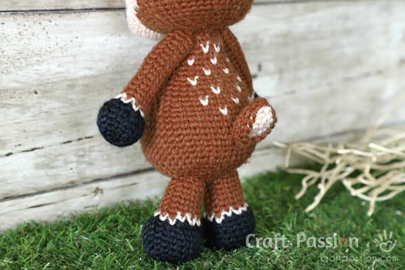 crochet deer tail