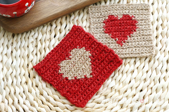 crochet valentine coasters