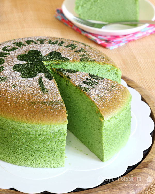 matcha sponge cheesecake