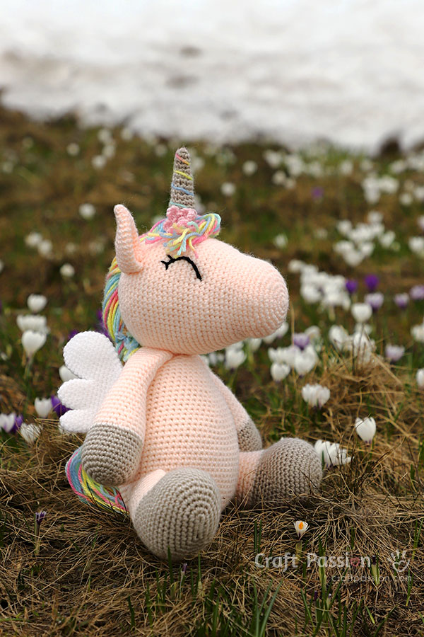Ravelry: Nuru the Unicorn Amigurumi pattern by Carolina Guzman | 900x600