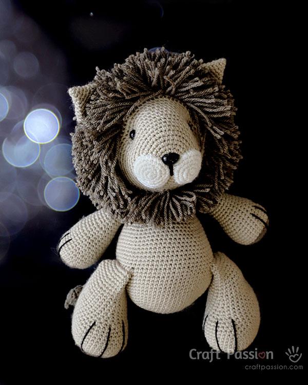 crochet lion