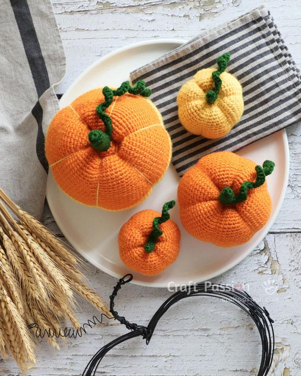 pumpkin amigurumi small medium large