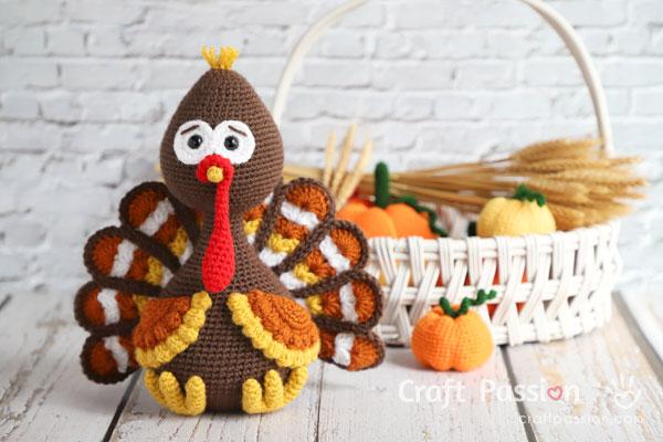 crochet fall turkey amigurumi