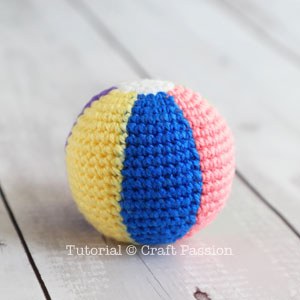 beach ball amigurumi