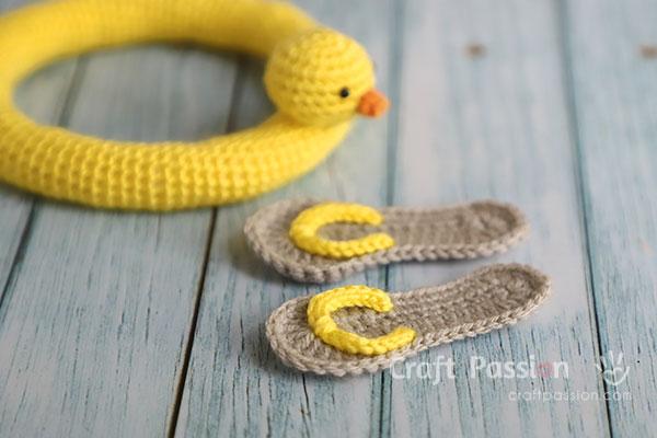 crochet mini flip-flops sandals