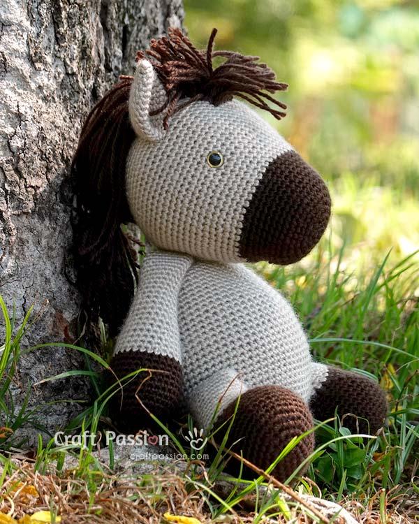 Hessy horse amigurumi