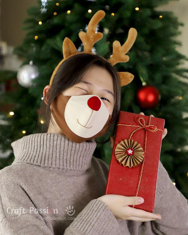 reindeer christmas face mask