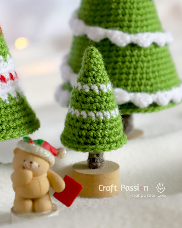 crochet mini pine tree