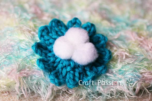 crochet easy flower brooch