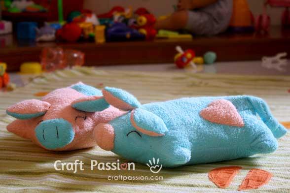 Piggy Pillow Main 1
