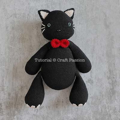 crochet black cat