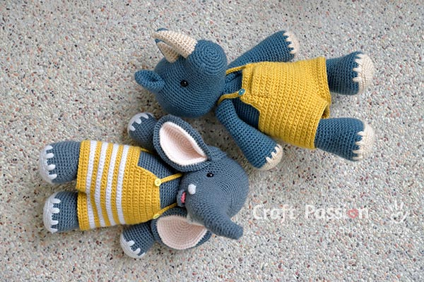 crochet clothes for stuffed animal