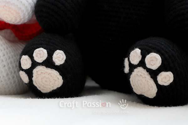 crochet cat paws