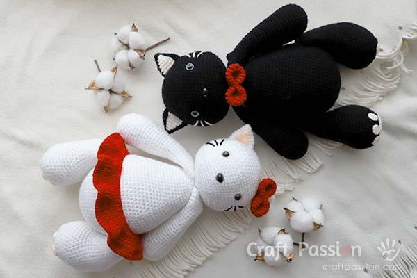 crochet adult Hello Kitty