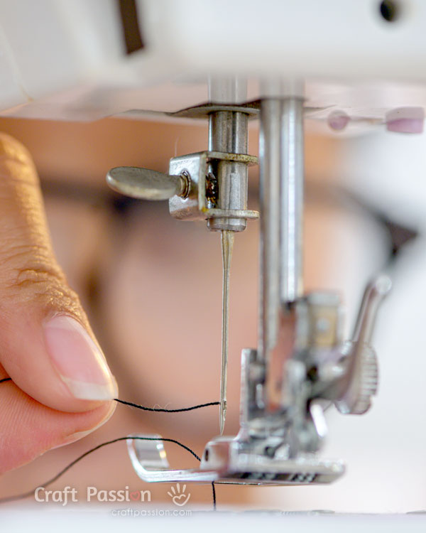 thread needle on sewing machines